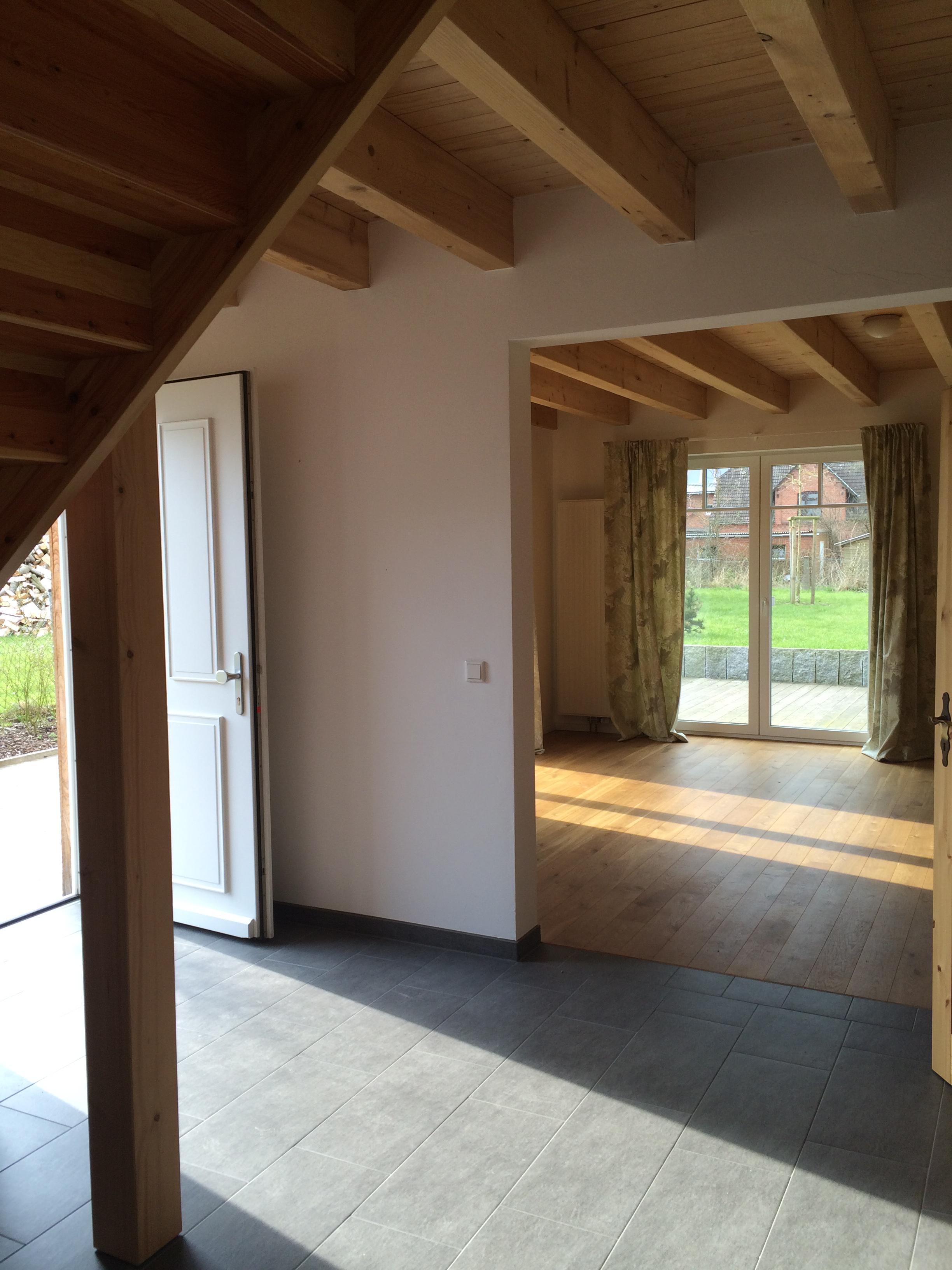 Neubau, komplett ausgestattetes Haus zum Wohnen und Arbeiten in der Nähe von Schalsee zu verkaufen.